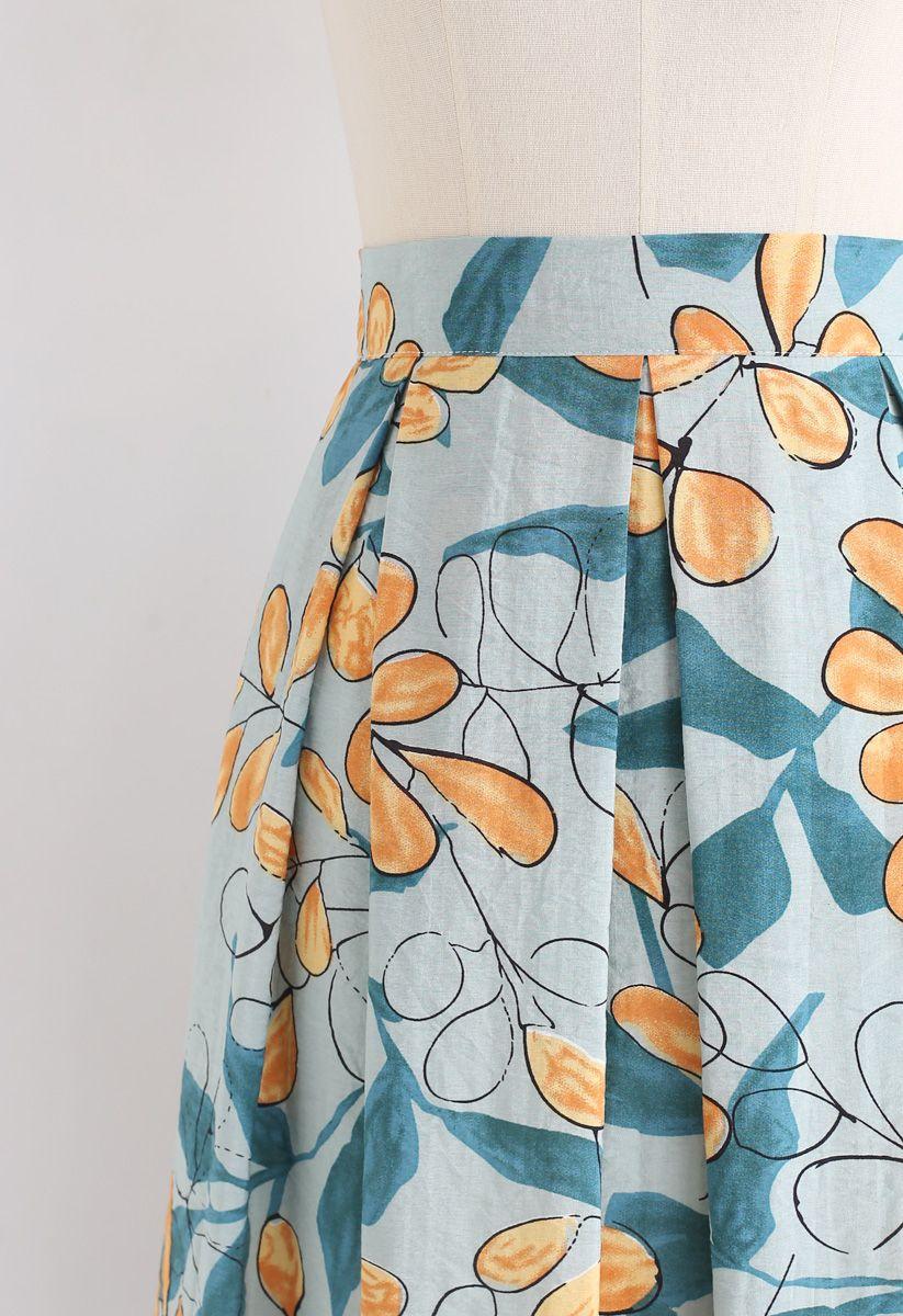 Rosehip Pattern Pleated Midi Skirt in Pea Green
