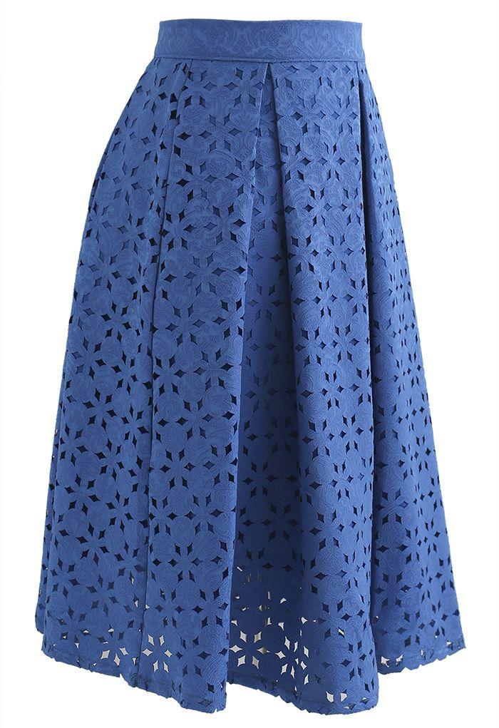 Snowflake Cutwork Jacquard Pleated Skirt in Blue