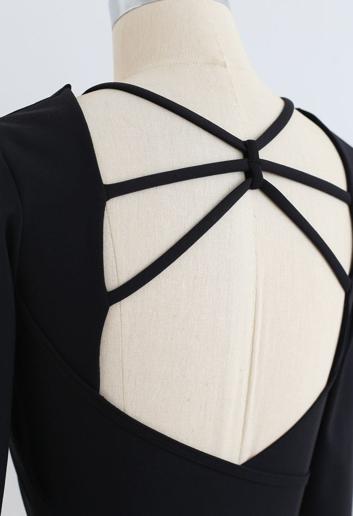 Crisscross Backless Crop Top in Black
