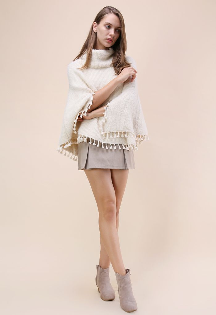 Winter Tale Knitted Cape in Ivory