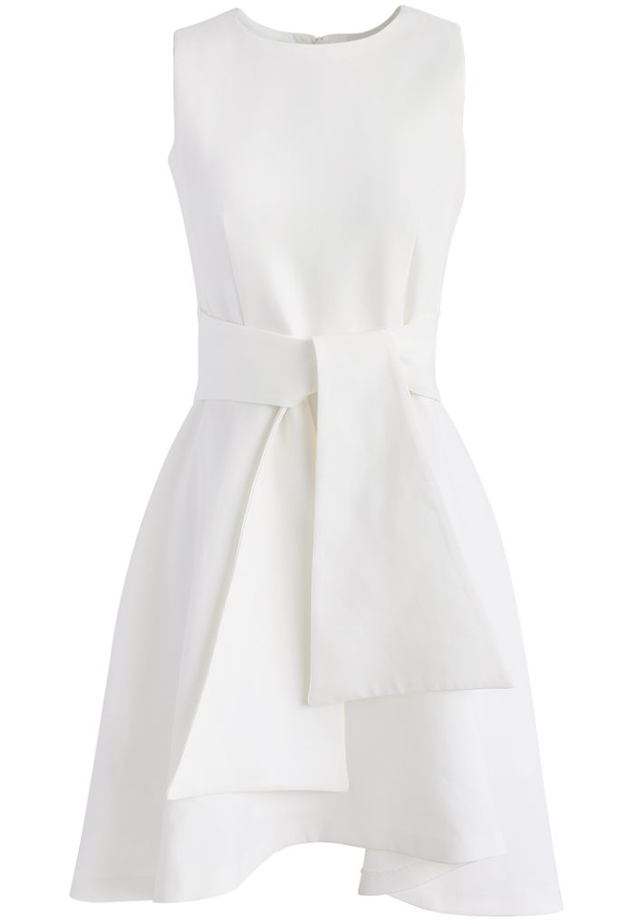 Tie with Daintiness Sleeveless Dress in White