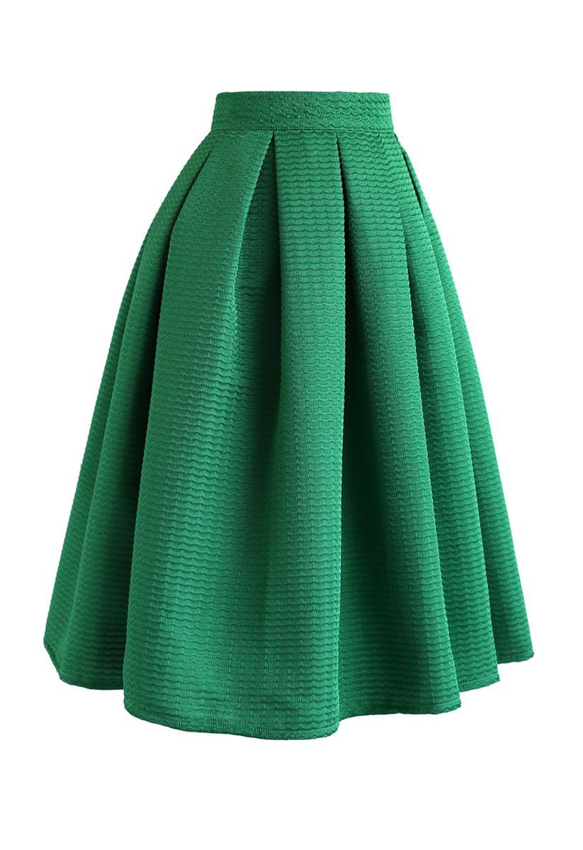 Wavy Texture Pleated Midi Skirt in Green
